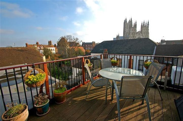 Single room in Canterbury Penthouse - Canterbury - Lägenhet