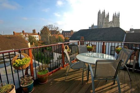Single room in Canterbury Penthouse - Canterbury - Apartment