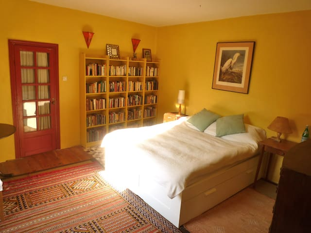 Country B&B very near to Angoulemee - Angoulême - Bed & Breakfast