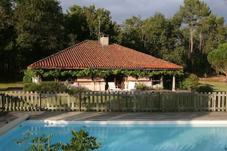 Nice villa in les Landes - Castets - Huis