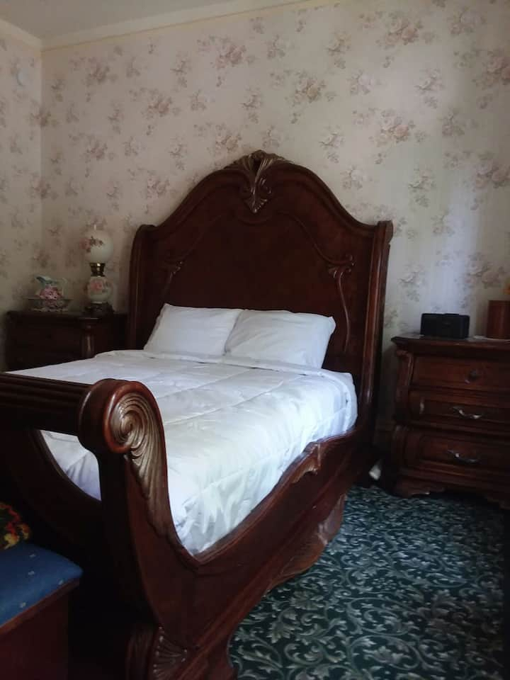 The Mays Room, Mays Place BNB, Queen bed