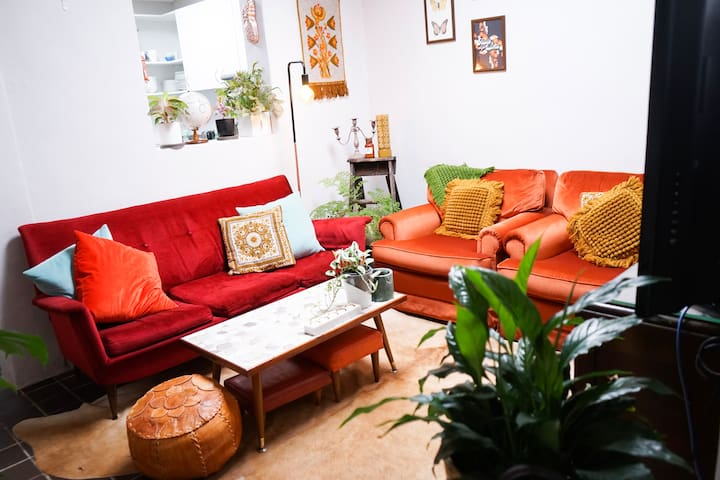 Bright Inner City Vintage Styled Home with Garden
