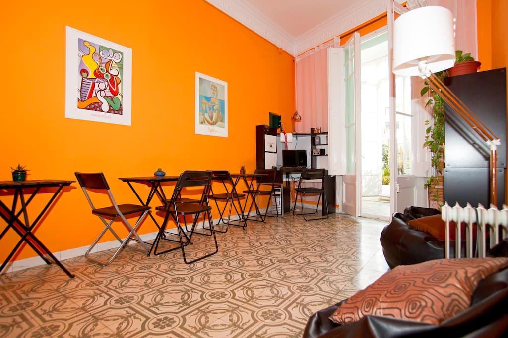 Grande appartamento con terrazza appartamenti in affitto for Appartamenti barcellona affitto economici
