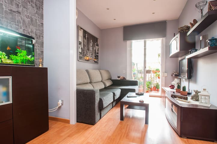 GORGEOUS EQUIPPED APTM WITH PARKING - Barcelona - Wohnung