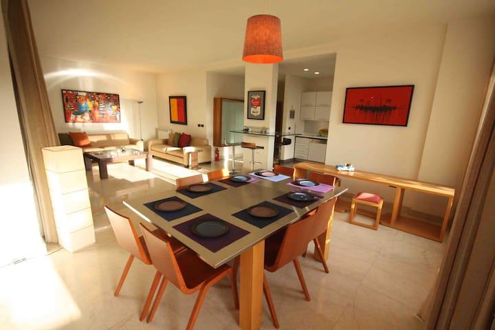 Central & Sunny-Sursock / Achrafieh - Mar Nicolas - Lägenhet
