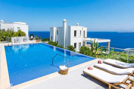 Villa with a stunning sea view in Bodrum