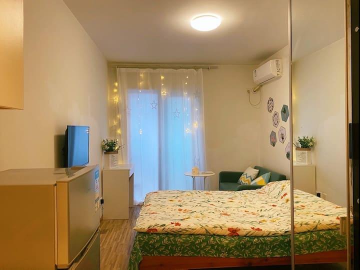 【两江•民宿】现代舒适温馨小房,西南政法大学对面,带厨具,可做饭