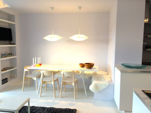 Central bright apartment w/ terrace - Gent - Appartement