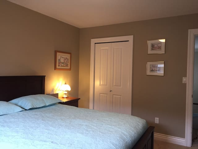 quiet and cozy room in Langley - Langley - House
