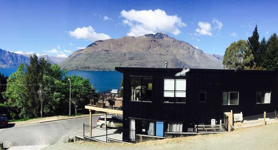 New house with plenty of space. - Queenstown - Haus