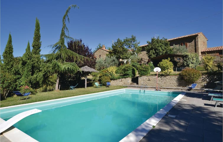 Holiday cottage with 2 bedrooms on 55 m² in Cortona AR