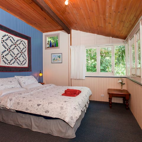 Rainforest cottage close to Brisbane - Mount Glorious - Kabin