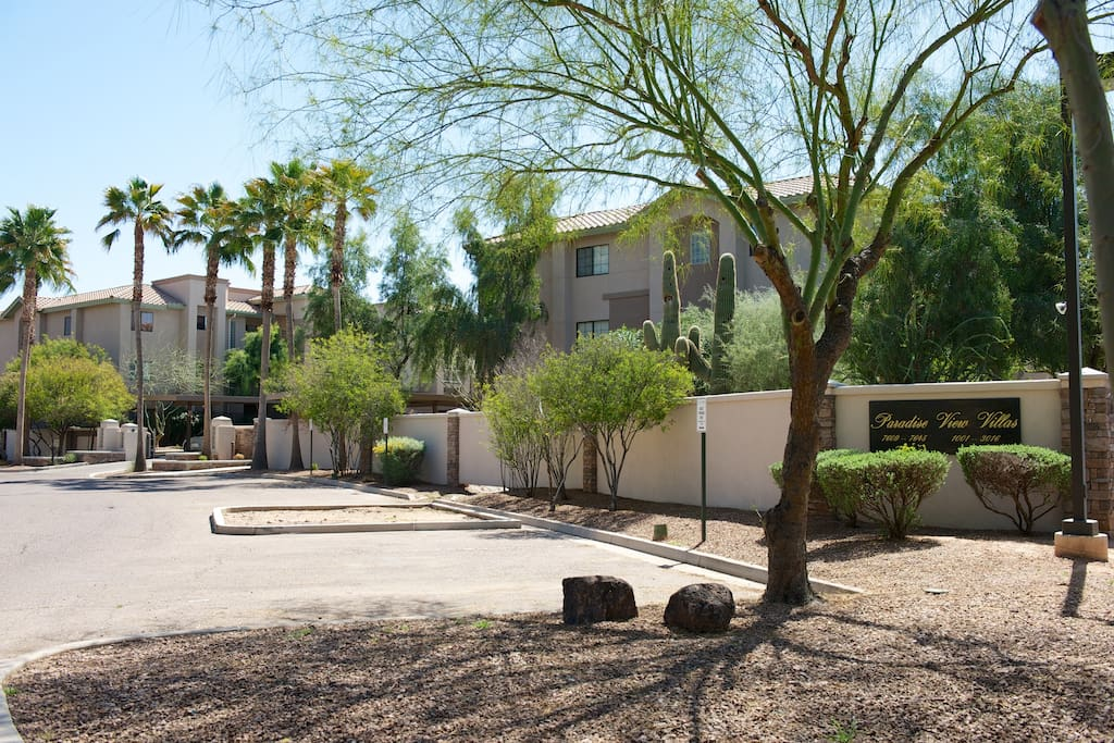 Book your Scottsdale vacation at Paradise View Villas gated community