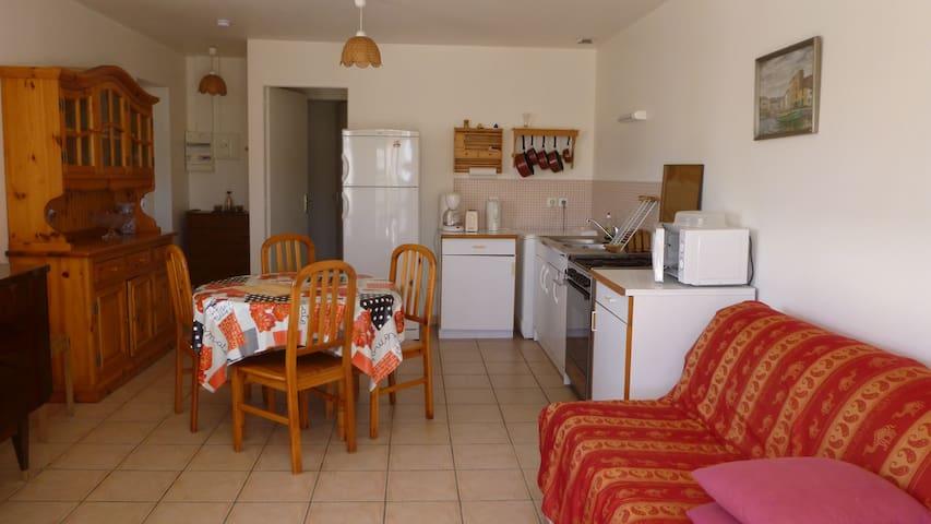 Au Bois Dormant( 50m plage) maison A plain-pied - Pirou - 단독주택