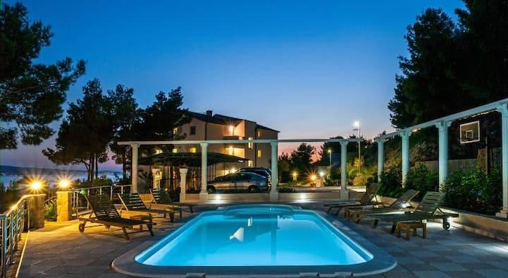 The Pine Resort Apartment 2