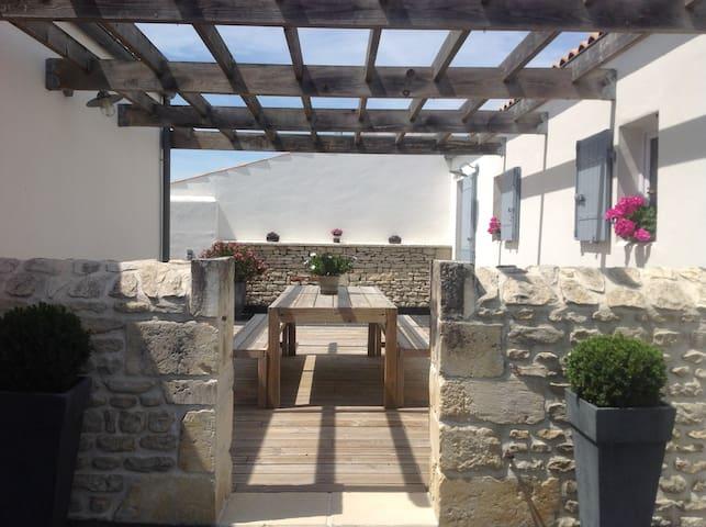 Studio T1 meublé style Rétais - Marsilly