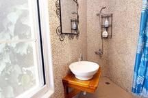 Bunk Bed Private Room for 2-person Private Bathroom 上下床2人小套房獨立衛浴