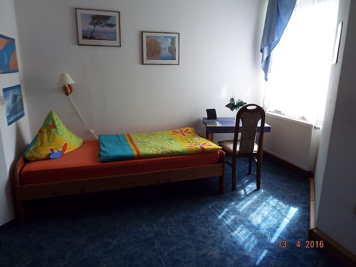Schönes Einzelbettzimmer in Zwickau