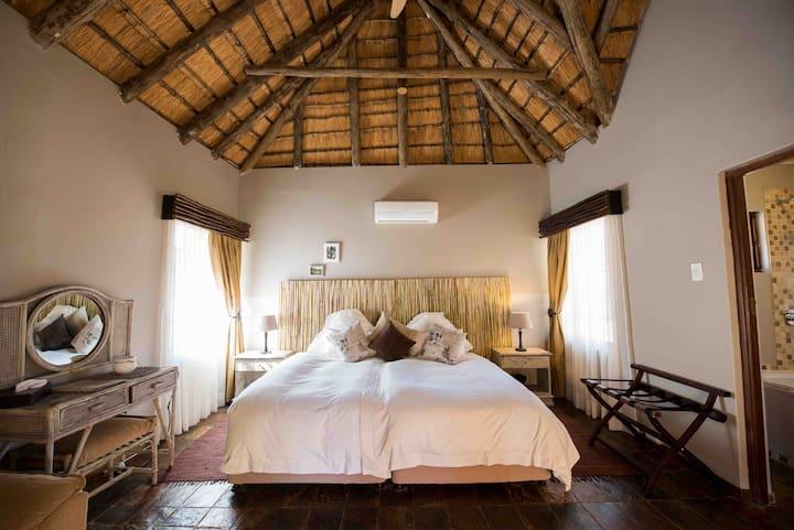 Mziki Safari Lodge - Main Lodge rooms