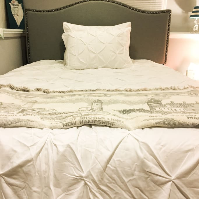 Your Comfy Queen size NEW Platinum Beach Wave Headboard  You'll definitely be Sleeping like a baby when your head hits the pillow Be treated like a King  or Queen in this Bed