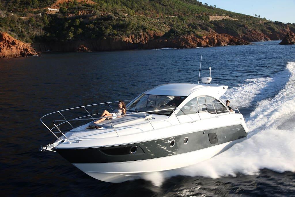 Super bowl super stay boats for rent in oakland for Motor boat rental san francisco