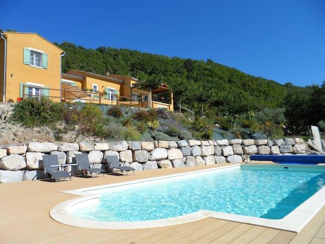 Bienvenue en Haute Provence - Perú - Bed & Breakfast