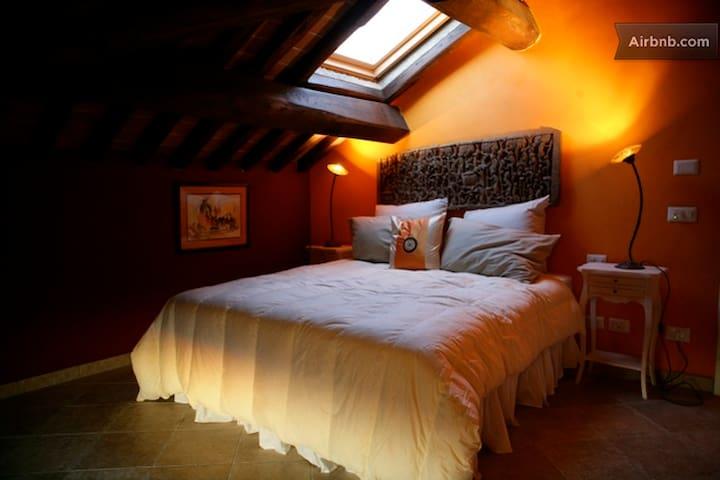 orange room attic