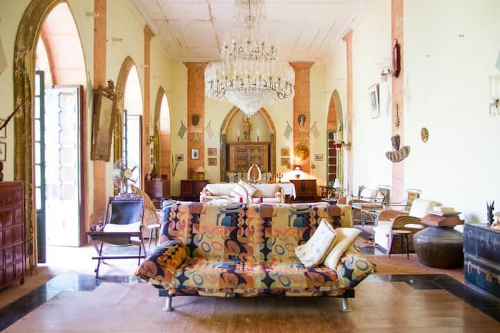 Timeless Colonial Grandeur