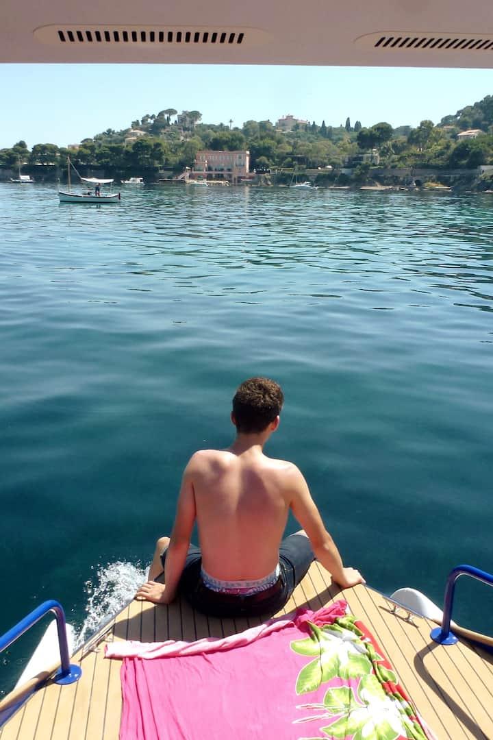 You can sun bath on the bow