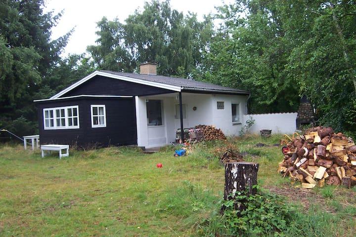 Sommerhus i Sjællands Odde 2 min. til badestrand. - Sjællands Odde - Cottage