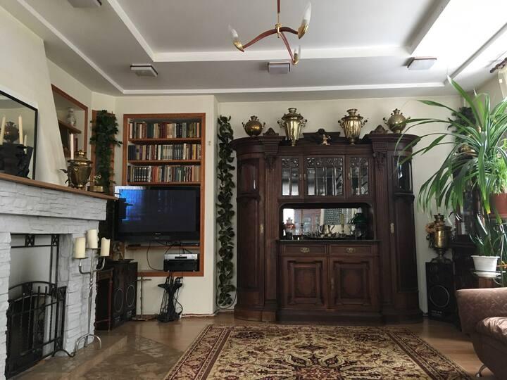 Huge Luxury Russian House Second floor 3 rooms