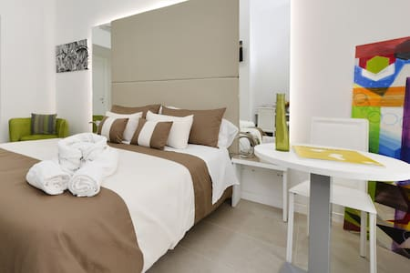 Coliseum elegant room (4) - Roma - Apartment
