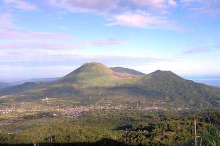Home stay in Tomohon North Sulawesi - Tomohon - Bed & Breakfast