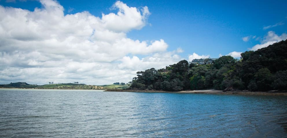 Luxury Homestead at Driftwood Seaside Escapes - Te Tii