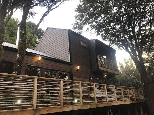 Casa-Bosque ecológica costado del Lago Huillinco