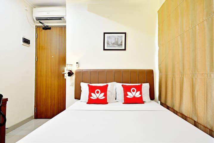 Modern Room at Benhil Tondano - Centre de Jakarta - Bed & Breakfast