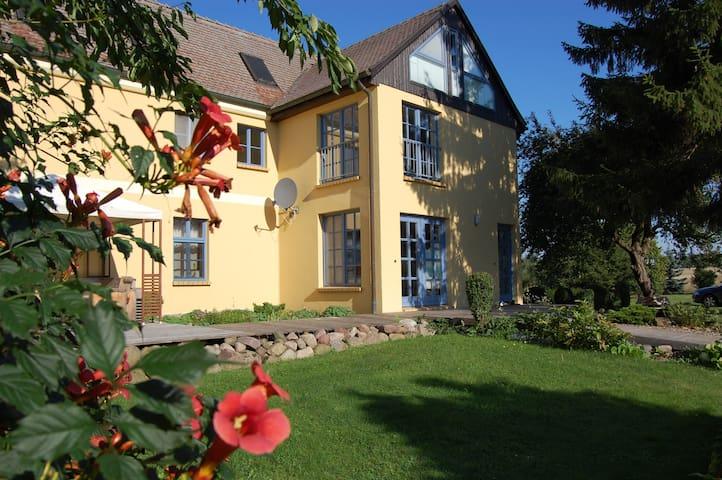Spukwiese - Ferienwohnung 120qm/6P. - Satow OT Steinhagen