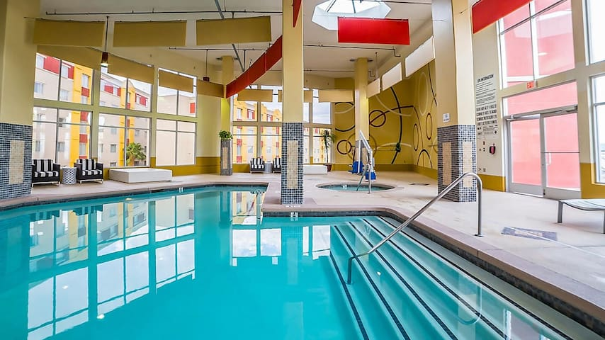 SEMA week in resort with heated pool