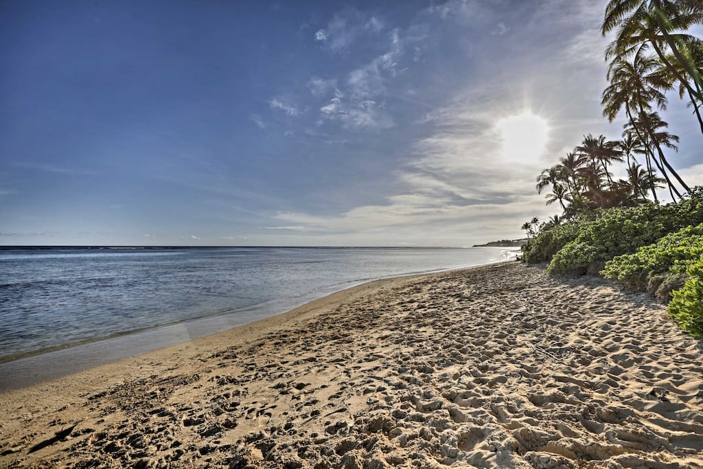 This tropical island location is just minutes from the nearby beaches!