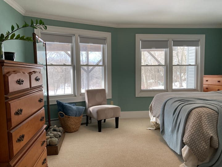 Tranquil Master Guest Room & Porch — Ski + Sleep