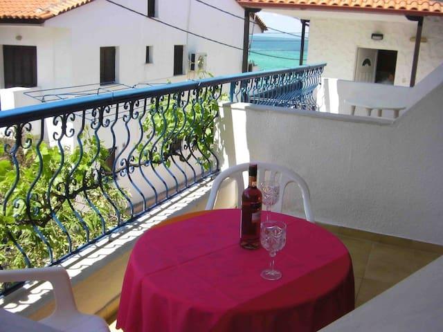 Seaside furnished apartments Pedias - Polychrono - Villa