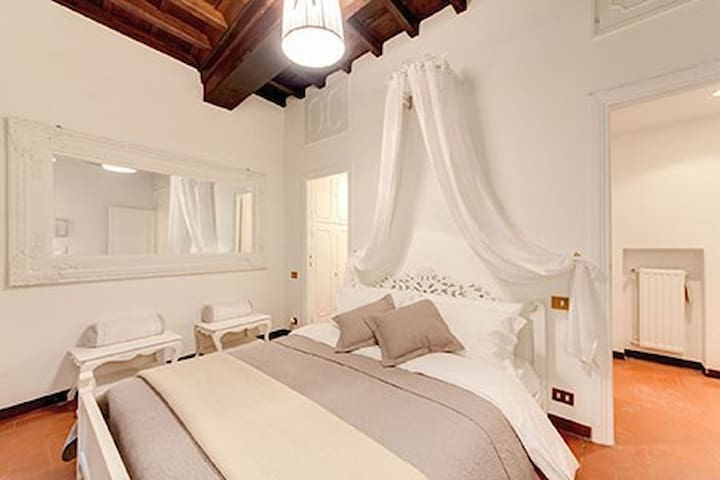 center of rome, Pantheon sweet home, supr offer!