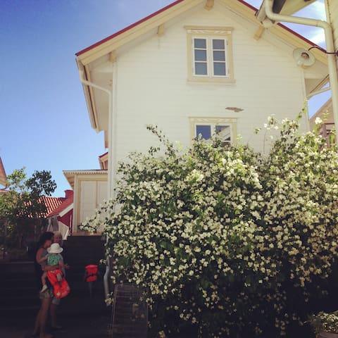 House on Klädesholmen - Tjörn S