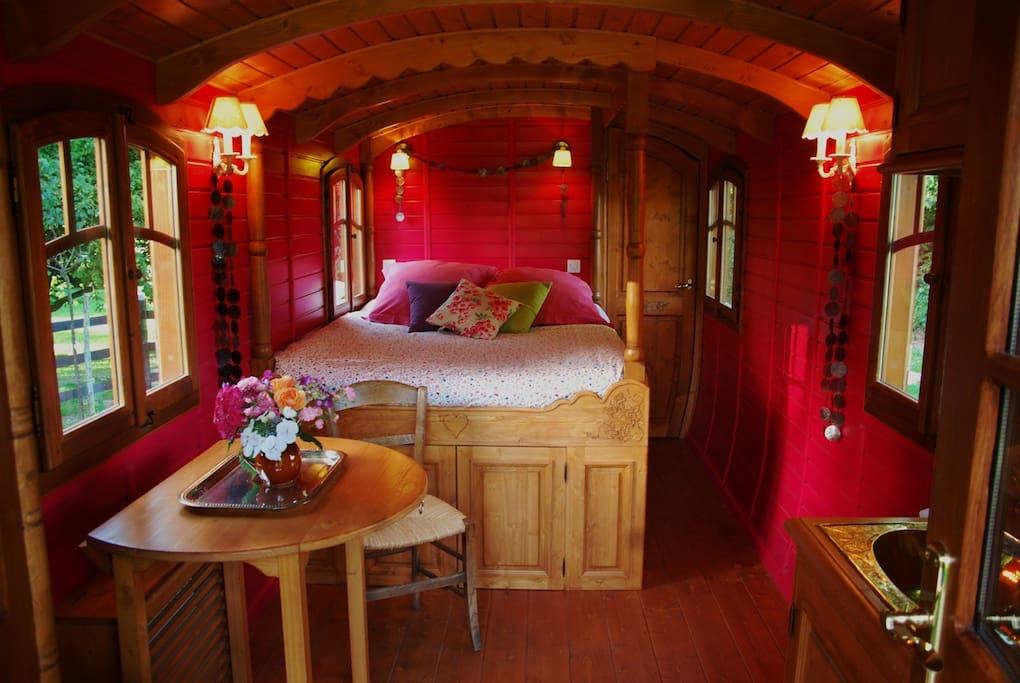 Roulotte capucine insolite honfleur chambres d 39 h tes - Chambre insolite normandie ...