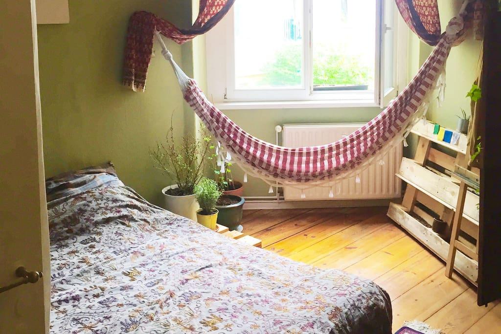 Dein Zimmer :)