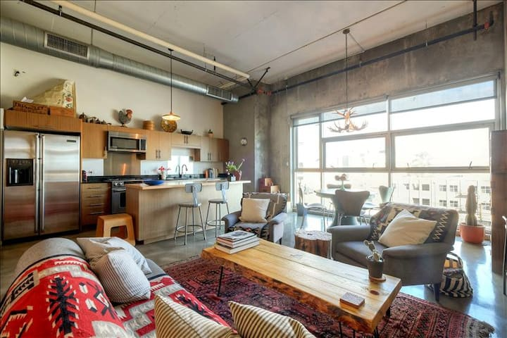 Airy DTLA Arts District Loft