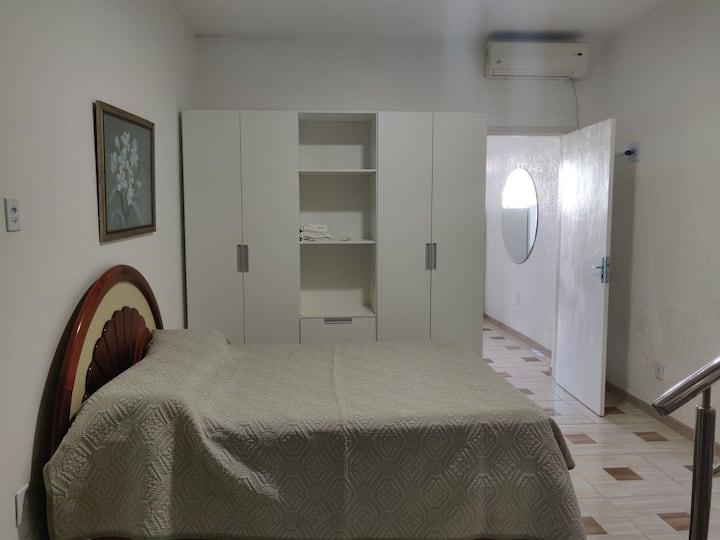 ANTONIO'S COMFY ROOM/QUARTO ACONCHEGANTE