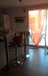Chambre parentale ( lit 1.60 / 2.00 ) - Bessan