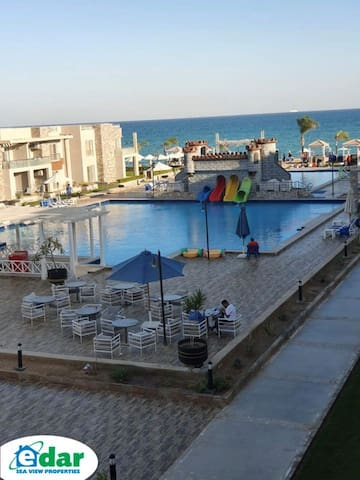 amazing apartment with sea view at Ein Sokhna