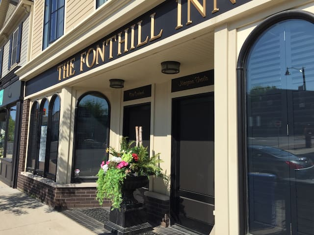 THE FONTHILL INN, Old Orchard Suite - Pelham - Apartamento